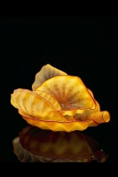 <i>Harvest Yellow Seaform Set<br/>with Strawberry Lip Wraps</i>, 2001 by Dale Chihuly